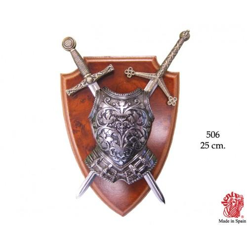 Panoplia con due spade e scudo