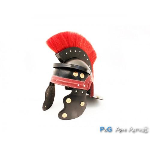 Elmo romano in pelle con cresta